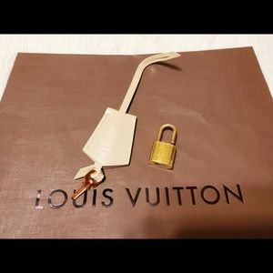 Louis Vuitton Clochette